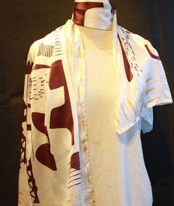 Khăn lụa tơ tằm Việt Nam Thiều Hoa 100% tơ tằm tự nhiên, nhẹ và thoáng mát