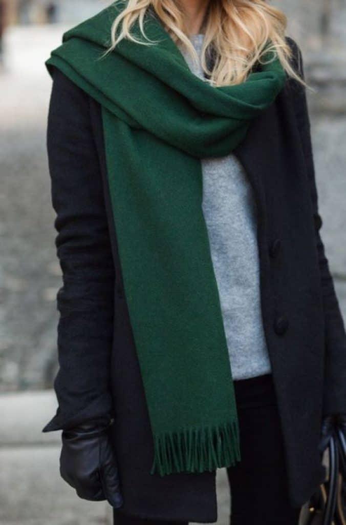 Cách thắt khăn quàng mùa đông đơn giản