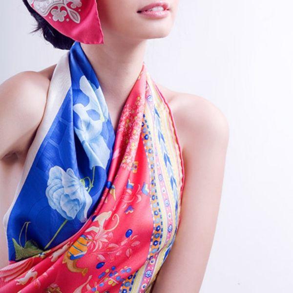 Thắt khăn lụa thành áo yếm