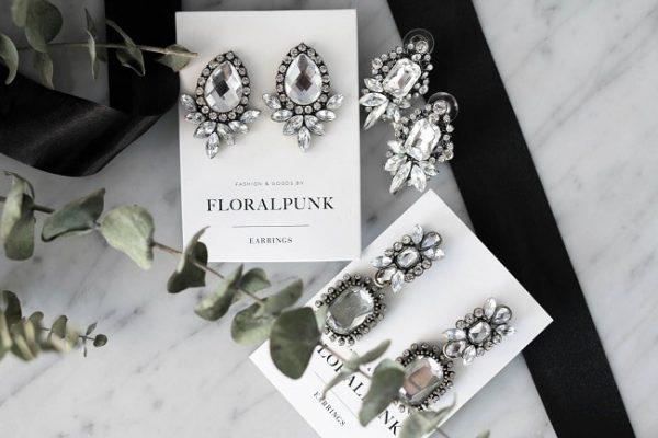 Tặng quà phụ kiện thời trang gây bất ngờ cho phái nữ trong ngày sinh nhật