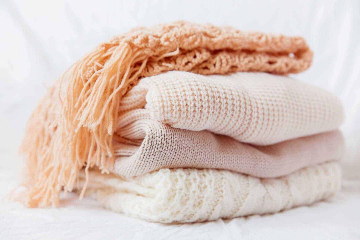 Cách đan khăn len 2 màu đơn giản cho người mới bắt đầu